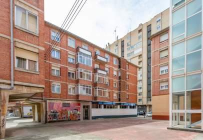 Flat in calle de Agustín García Bordel