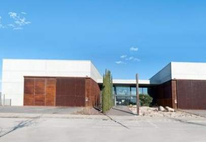 Industrial Warehouse in calle Terres Blanques, nº 3