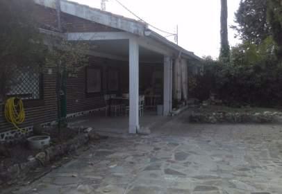 Casa pareada en calle Santa Lucia