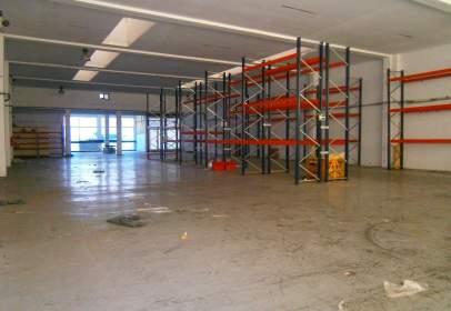 Nau industrial a Letxunborro Etorbidea, prop de Calle de Pozuetakogaina