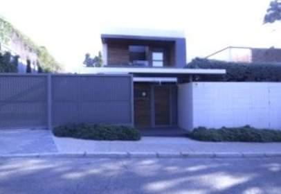 Casa aparellada a calle de la Alberca