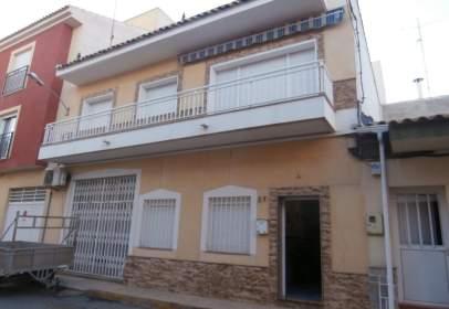 Casa adosada en calle Tabladas