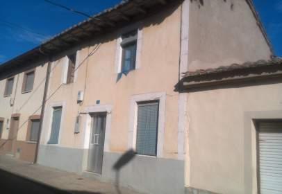 Casa adosada en Villademor de La Vega