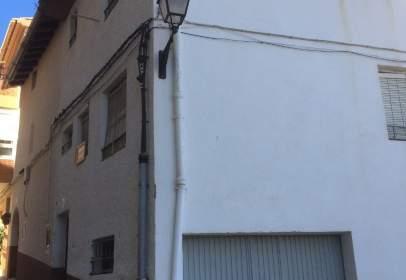 Casa aparellada a calle Arrabal