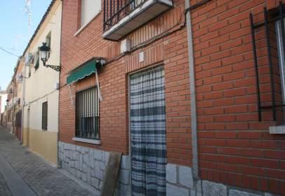 Casa en Casa de Pueblo Con Patio y  Muy Céntrica en Casco Urbano de Escalona