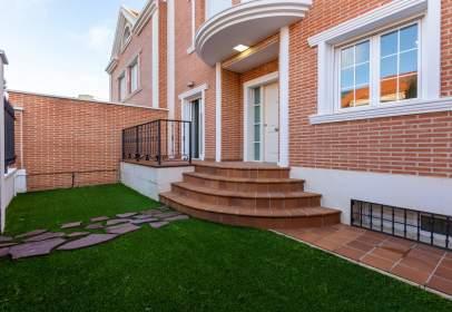 Casa adossada a Nuevo Aranjuez-Ciudad de las Artes-El Mirador