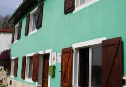 Casa adosada en calle Santa Gadía