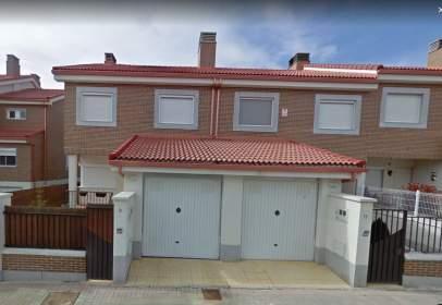 Casa adossada a Avenida Calderón de la Barca