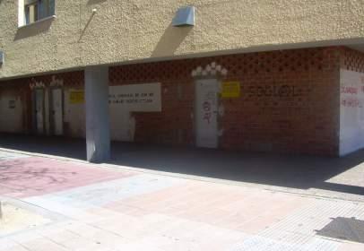 Local comercial a Avenida Santa Maria de La Cabeza, nº 16