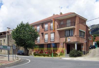 Building in Avenida de Gredos, nº 58