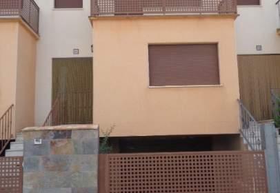 Casa adosada en Avenida Ctra/ de Teruel II