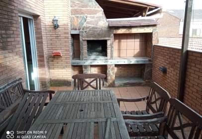 Casa adosada en calle Comptes de Urgell
