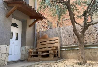 Casa a Carrer del Calvari, prop de Carrer del Canyeret