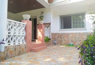 Casa adosada en Palau-Solità I Plegamans