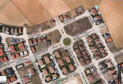 Land in Cabrerizos