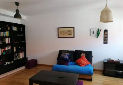 Apartamento en calle Gil Tarin