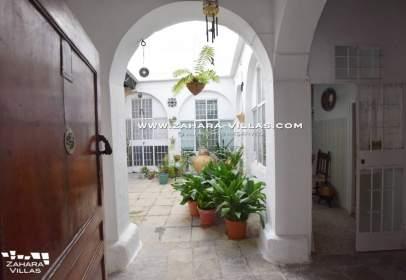 Casa a calle de José Castrillón