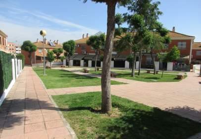 Casa adosada en calle Lomas, nº 5