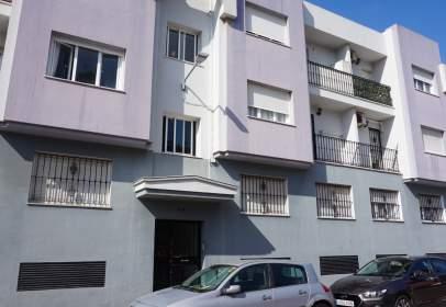 Flat in calle Gibraltar, near Calle Granada