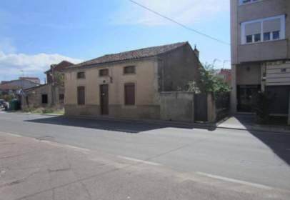 Casa a Avenida de Béjar, prop de Calle del Júcar