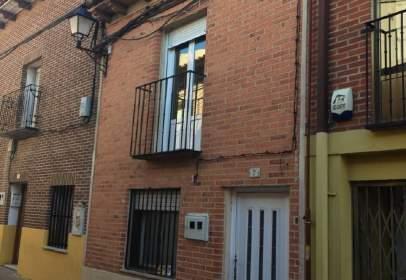 Casa adossada a calle San Vicente