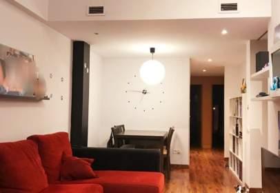 Duplex in Centre