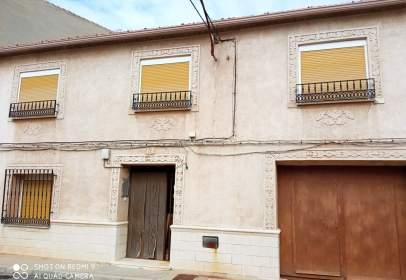Casa adosada en calle de Castilla, cerca de Calle de la Paloma