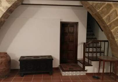 House in Plaza Iglesia, 6
