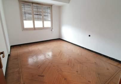 Flat in calle de Eduardo Velasco