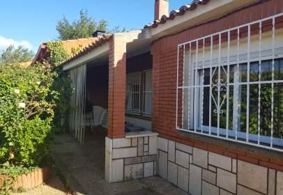 Casa aparellada a calle de la Ermita