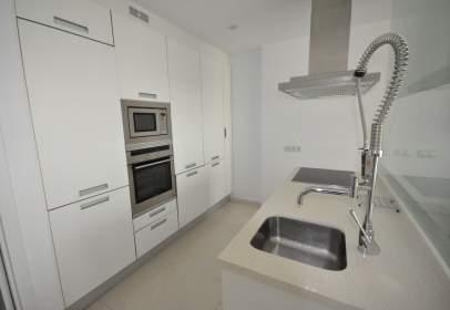 Apartamento en Urbanización Las Olas