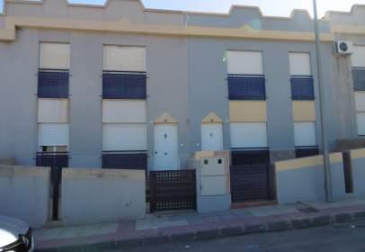 Casa adossada a calle Librillera