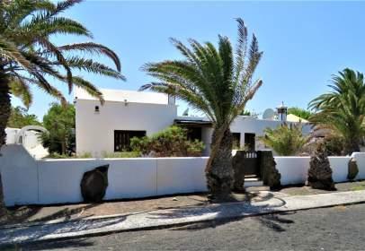 Casa unifamiliar a calle Las Yucas