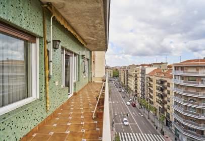 Flat in Avenida de Mirat, 36