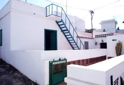 Casa en calle Virgen del Carmen