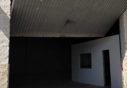 Commercial building in Casco Antiguo