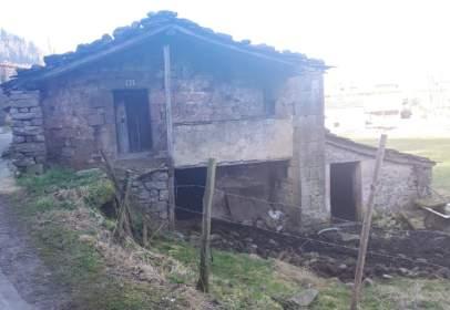 House in Vega de Pas