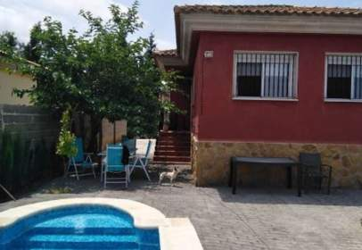 Chalet in Urb. Maquiva