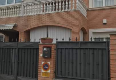 Xalet adossat a calle Avda de España