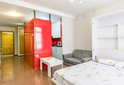 Flat in calle Carrer D´Isaac Peral