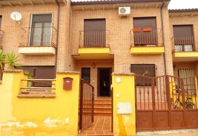 Casa adossada a calle Rio Tajo