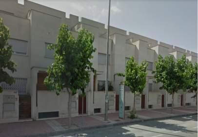 Casa adossada a Avenida Libertad, nº 207