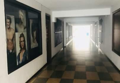 Local comercial en Pasaje Dr. Arquitecte E. Alegre
