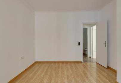 Flat in calle 08028