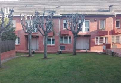 Casa adossada a L´Eixample-Torreblanca