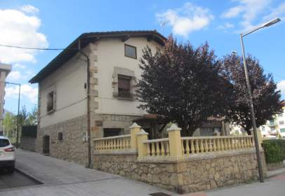 Xalet unifamiliar a calle Zirarmendieta 8, nº 8