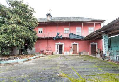 Casa en Avenida del Bierzo, nº 874