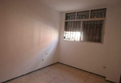 Piso en calle Leocadio Machado