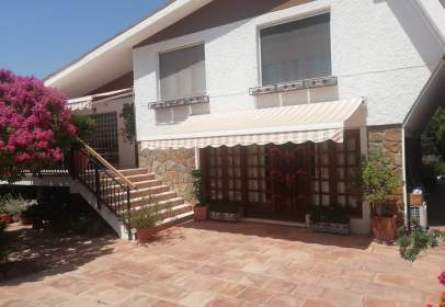 Chalet in Carrer Chafarinas, nº 19