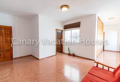 Flat in calle Sargento Llagas